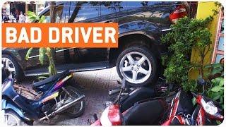 Car Backs Into Store | Good Morning Vietnam
