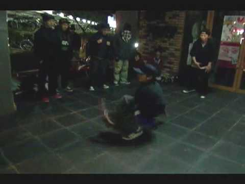 2009.12.18@MARUKAWA CUP vol.6 2on2 special 1st round    Kingseesaa vs ready to boogie  extra round