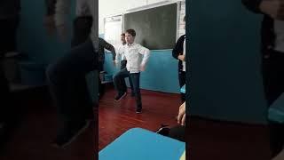 Когда идёт урок а учитель в учительской