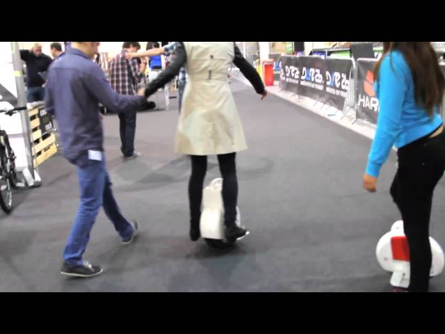 Testing the AIRWHEEL at the Irish Cycle Show 2015 - Unravel Travel TV