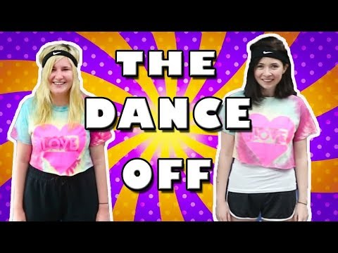 LITTLE KELLY AND CARLY HAVE A DANCE OFF! Kelly and Carly Vlogs
