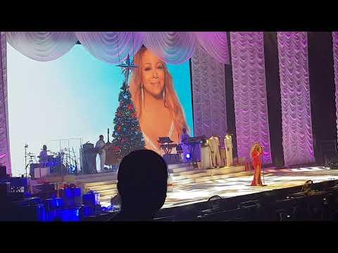 Mariah Carey Christmas concert live Paris - The Star 09/12/17