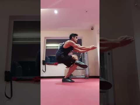 Eka pada utkatasana (power yoga for your legs ��)