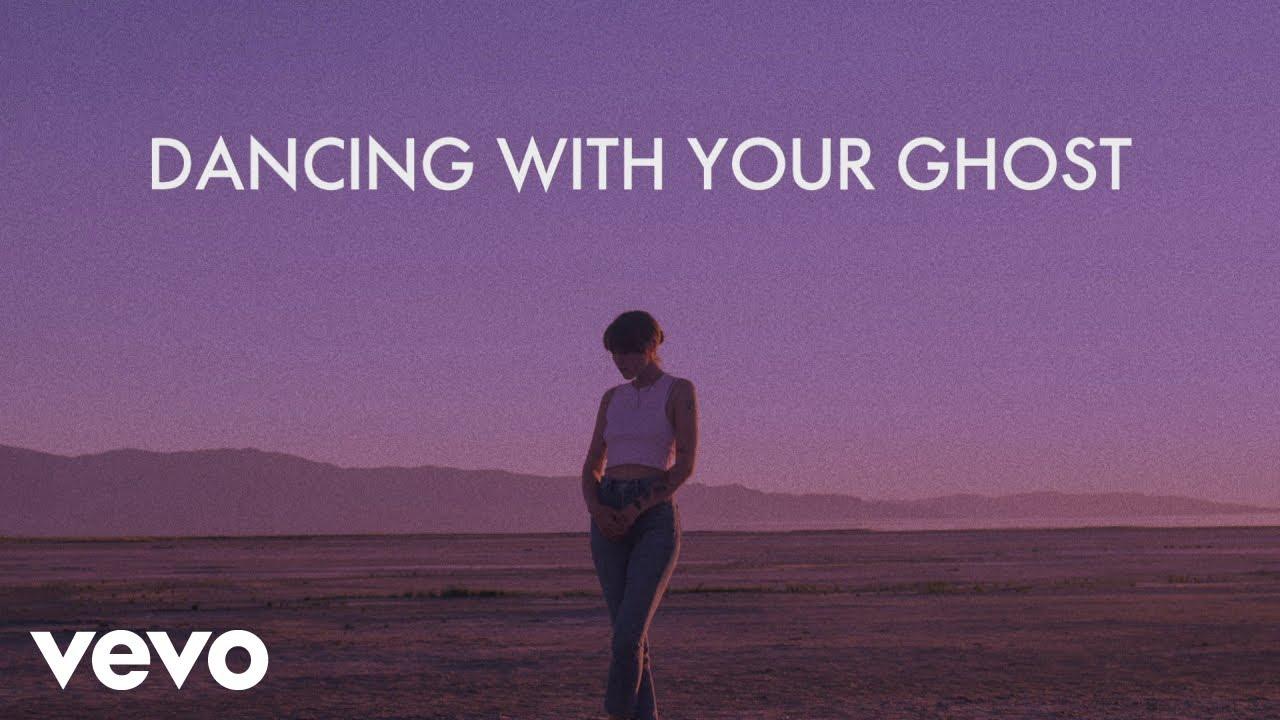 Sasha Alex Sloan - Dancing With Your Ghost (Lyric Video)