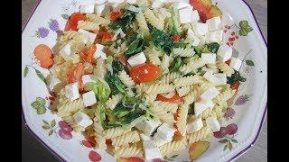 Юлия Высоцкая — Паста со сливочным соусом из порея и шпината