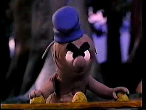 I go pogo - porky's shell game