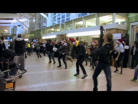 Air Canada Flash Mob Deluxe