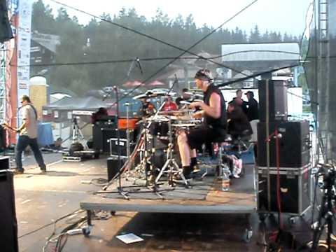 Keltská noc 2010-Harrachov-PLEXIS-Svět jsou bary (MARTIN ŠVEC-bicí!)