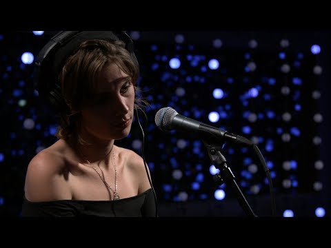 Wolf Alice - Bros (Live on KEXP)