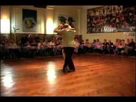 Tango argentino exhibition at salon canning milonguero youtube for A puro tango salon canning