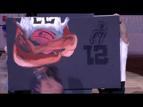 Artist Paints Tim Duncan At Halftime | 12.18.16