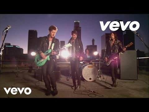 Клип Hot Chelle Rae - Tonight Tonight
