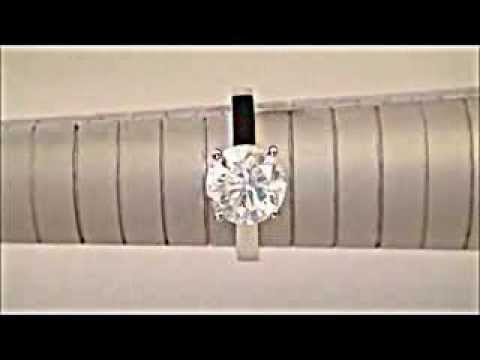 Бриллиант 1 карат белое золото шикарное кольцо