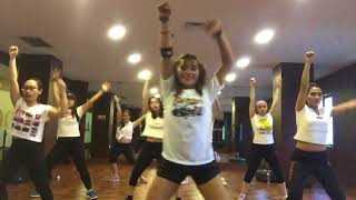 Warm Up Zumba - Feel This Moment
