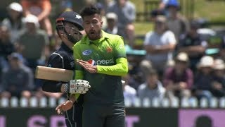 Mohammad Amir Nasty Collision with Henry Nicholls
