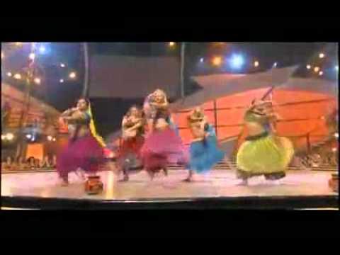 Rangeelo maro dholna - American girls - Indian performance.mp4