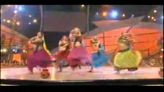 Rangeelo maro dholna - American girls - Indian performance.mp4