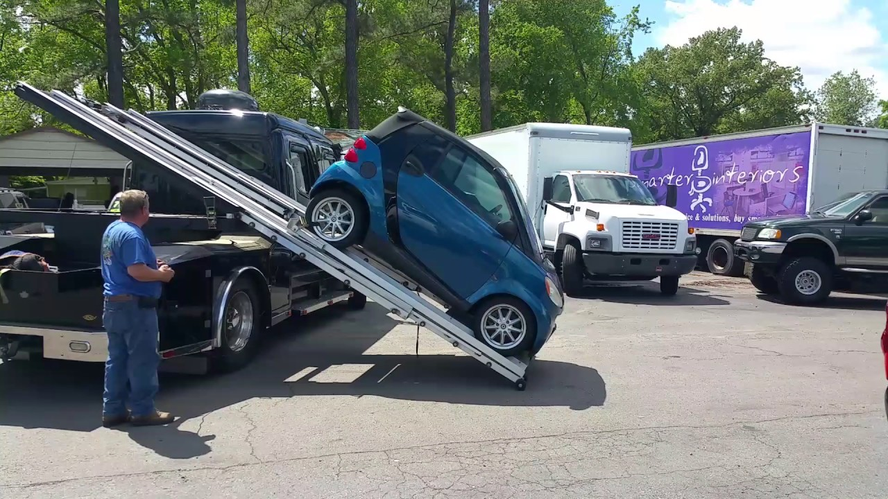 Freightliner Custom Hauler Sport Chis Removing Smart Car
