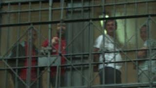 Wie Ölsardinien: Häftlinge in Italien