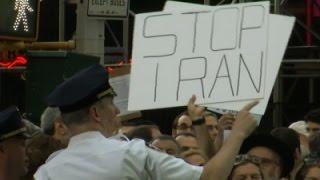 أميركيون يتظاهرون في تايمز سكوير ضد الإتفاق النووي