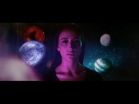 Смотреть клип Mariana Nolasco - Planeta Borboleta