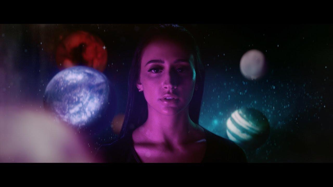Mariana Nolasco lança videoclipe da nova versão da canção