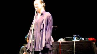 Adriana Calcanhotto en Rosario - Pode Se Remoer