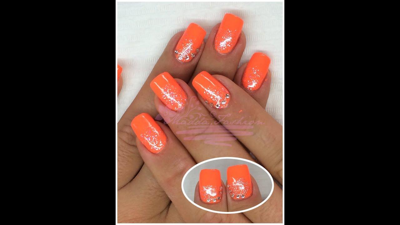 Arancio fluorescente unghie
