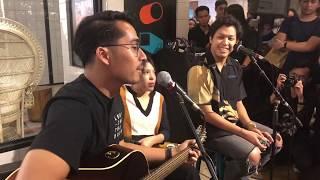 Gambar cover Hindia & Lomba Sihir - Secukupnya (Acoustic Live at The Goods Dept., Jakarta 04/02/2020)