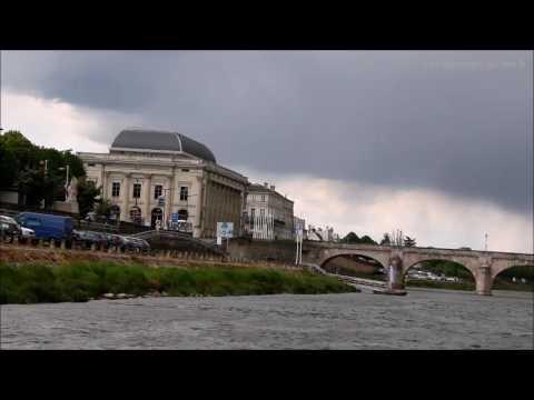Ville de Saumur et les bords de Loire