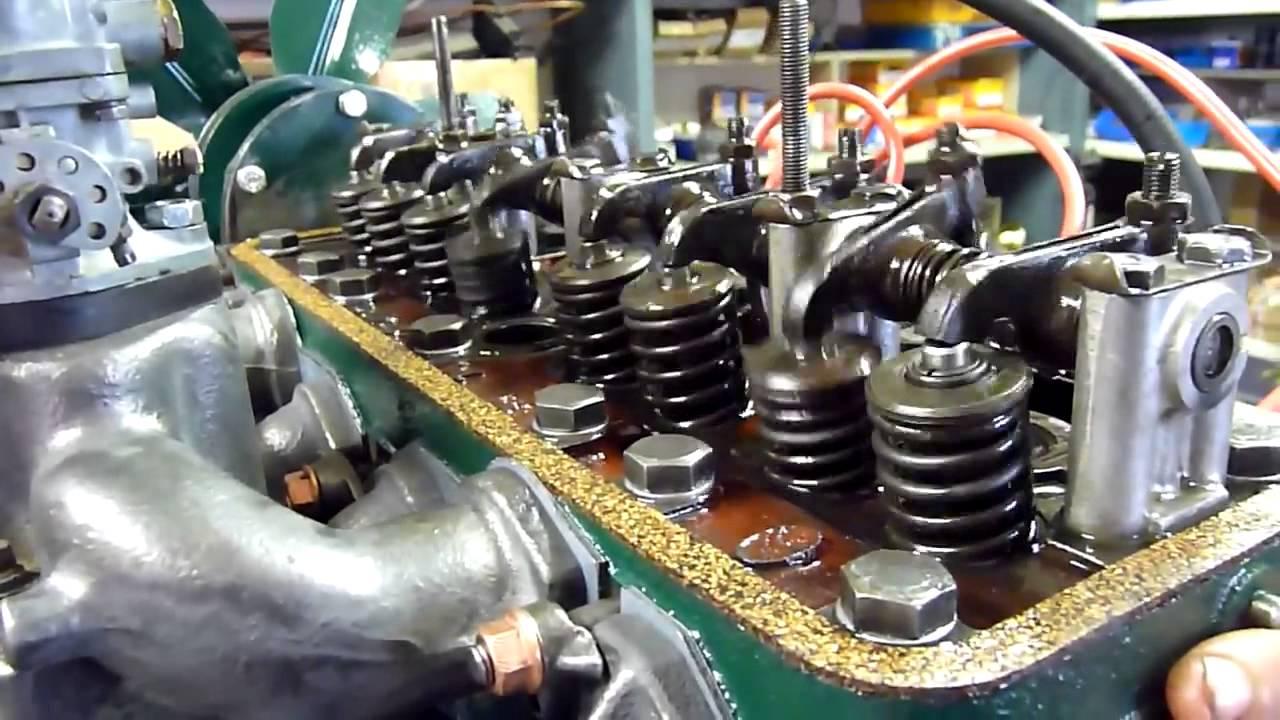 citro n type h d marrage moteur dans l 39 atelier de restauration techni tacot youtube. Black Bedroom Furniture Sets. Home Design Ideas