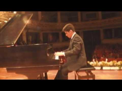 "15/06/2016 Estefano Benites Romero ""Time Travel"" y ""All of me"". Teatro Municipal Trujillo"