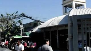 カンペンペット駅の2番出口・・・ウィークエンドマーケット
