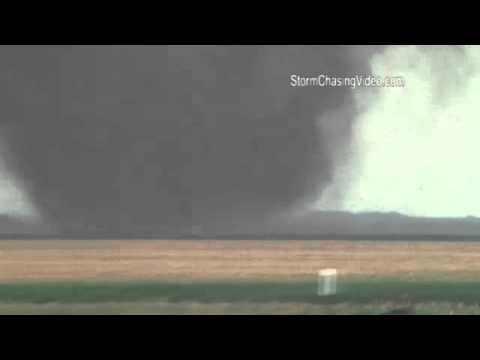 Flere tvillingtornadoer i Nebraska