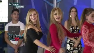 Las chicas bailan su nueva coreografía