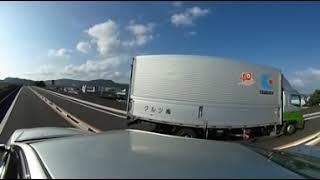 隼人道路の車窓