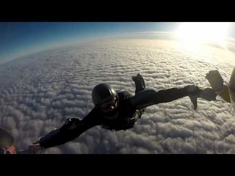 Tracking jumps and fun jumping in sunny October 2016 - Skydiving