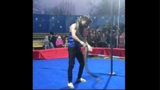 Удав задушил артиста цирка/python strangled circus artist