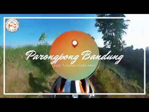 Bersepeda di jalan turunan di Parongpong