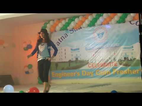 Patna sahib group of collage girl dance