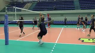 Волейбол. Нападающий удар.  Тренировка. Команда Зенит Санкт-Петербург