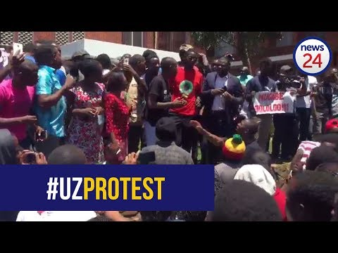 'We demand Robert Mugabe to step down and Grace's PHD withdrawn' - University of Zimbabwe students
