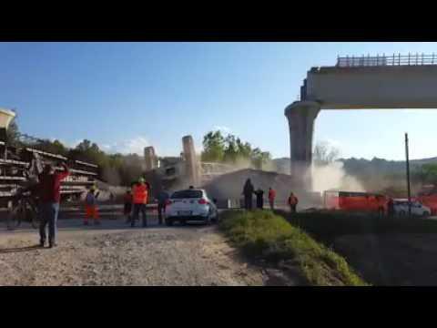 www.varesepress.info.  video sulla gru caduta ad Arcisate