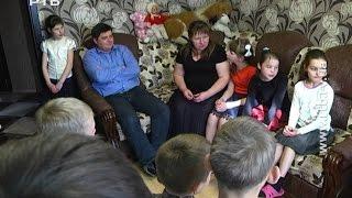 На Рівненщині живе найбільша родина в Україні: батьки виховують 19 дітей