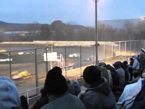 5 Mile Point Speedway - Sportsman 10/31/15