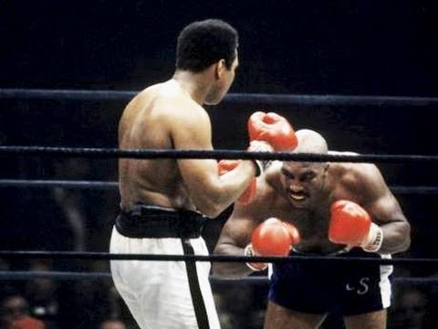 Muhammad Ali vs Earnie Shavers - Highlights (CLASSIC Heavyweight SLUGFEST!)