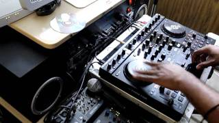 Traktor Scratch Pro 2 S4  Scratch Upgrade Kit Test Using The Jog Wheels