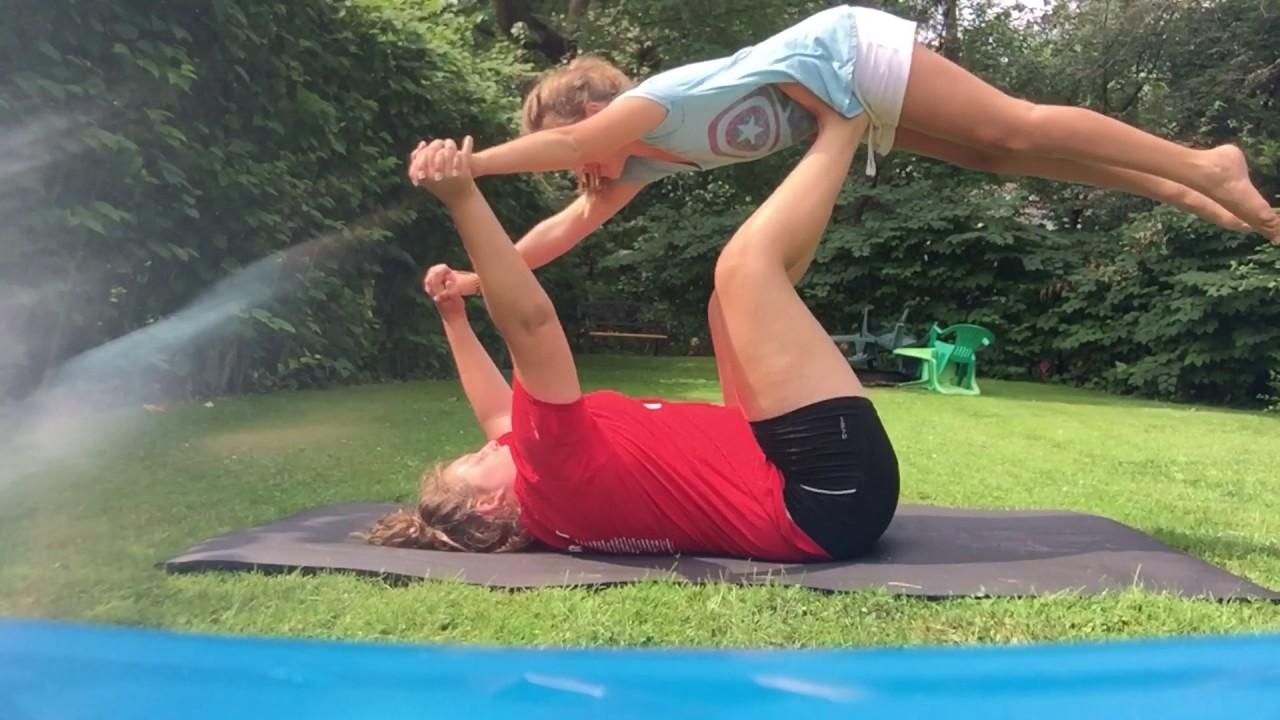Йога челлендж в троём / Extreme Yoga Challenge ! - YouTube