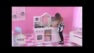 Детская кухня - отличный подарок для маленькой хозяйки!!(Маленькая хозяйка сможет приготовить на своей детской кухне семейный ужин, угостить кукол обедом, помыть..., 2014-07-15T06:58:36.000Z)