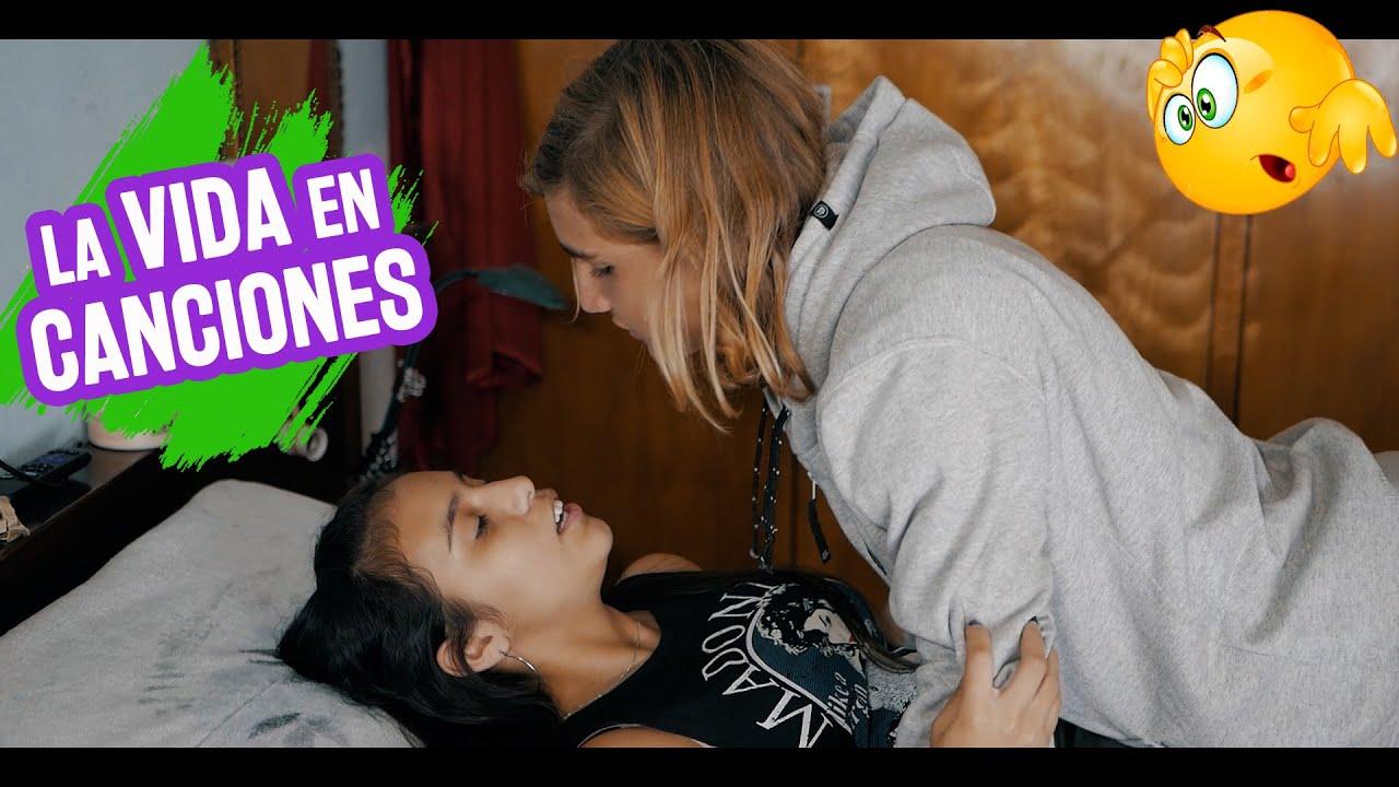 LA VIDA EN CANCIONES - Mia 15 Años